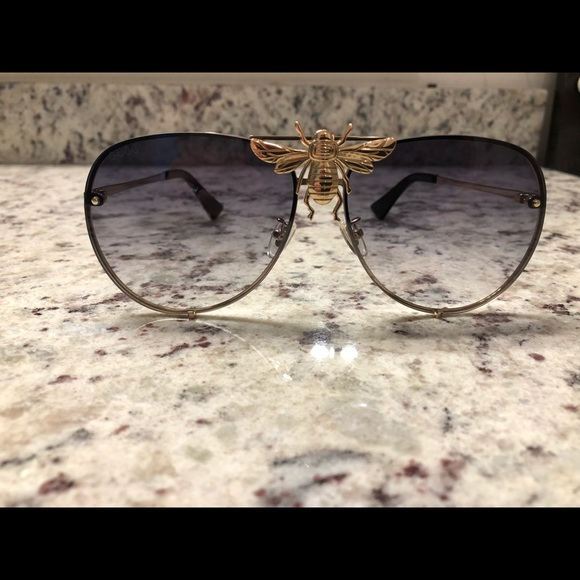 ffd94b5a60f Gucci Gold bee collection aviators